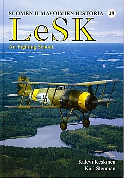 12200_9789529974344_LeSKAirfightingschool